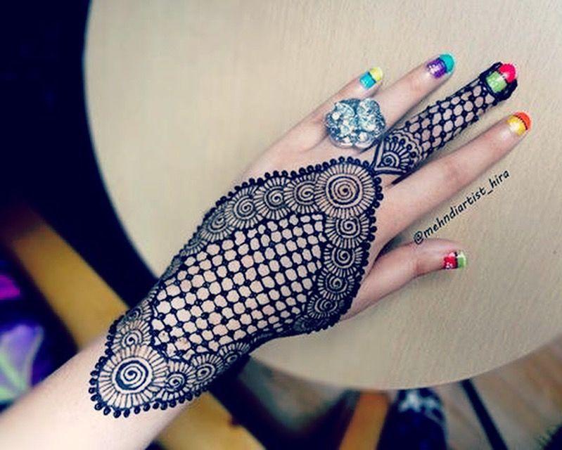 Tatuajes Mehndi Diseños : Pin de chandrabindu en mehndi