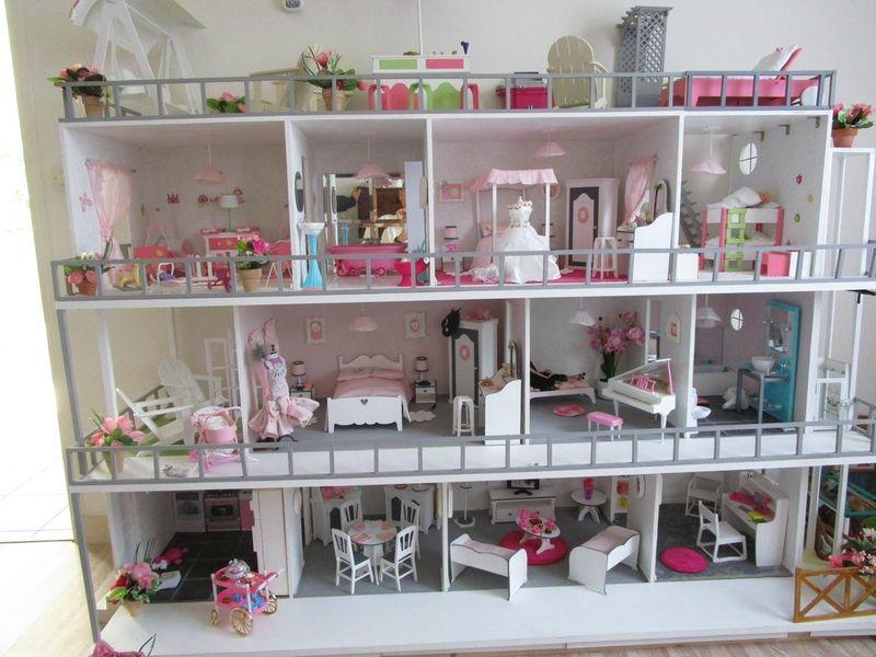 maison barbie sur roulette recherche google ad le pinterest barbie salles de jeux et. Black Bedroom Furniture Sets. Home Design Ideas