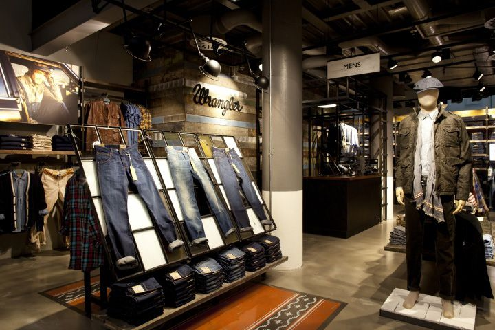Wrangler Store By Checkland Kindleysides Leipzig Clothing Store Interior Retail Design Retail Store Design