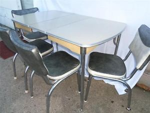 chrome tables 1950u0027s vintage chrome cracked ice formica retro kitchen table set 4