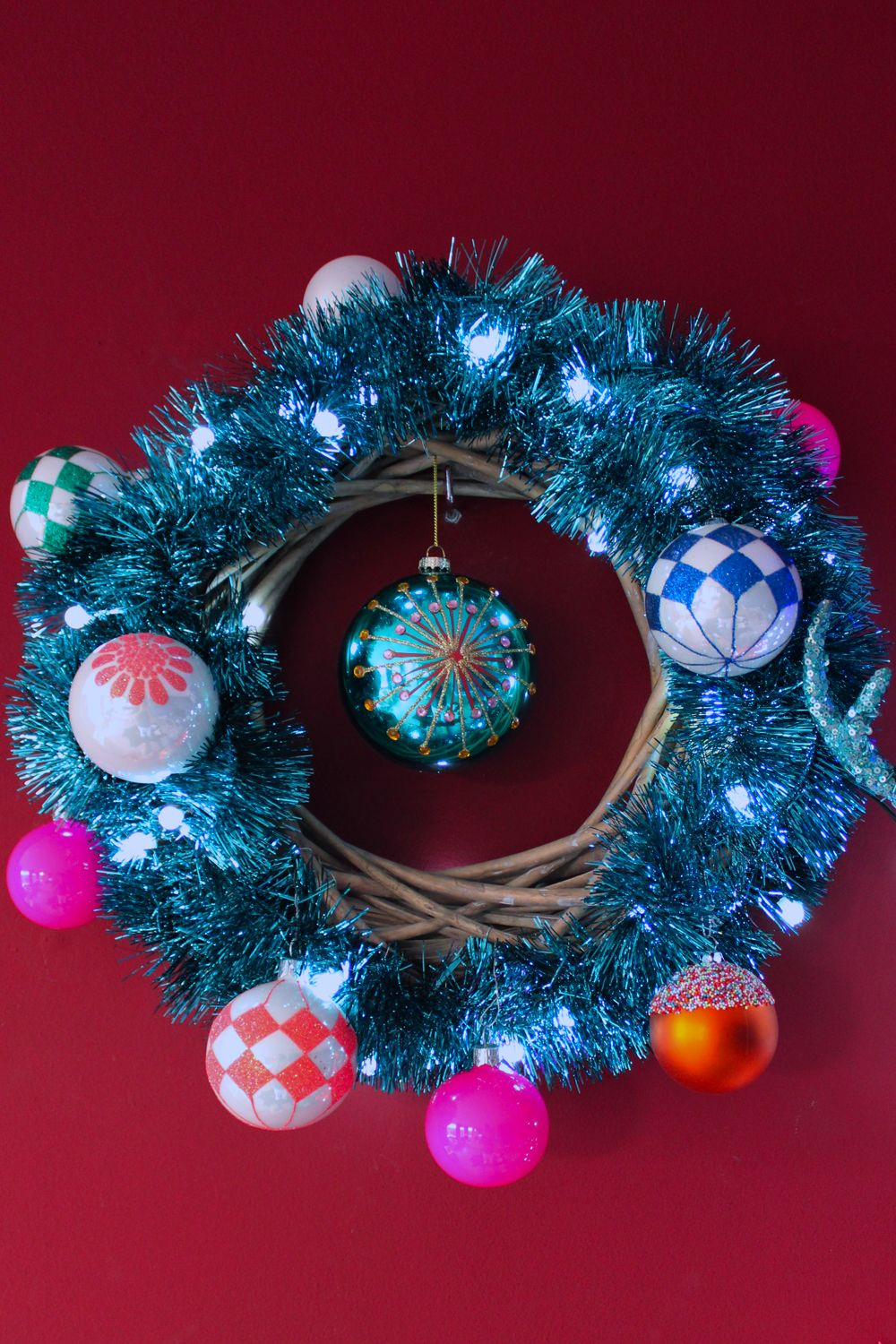 Cool 'n Cosy Christmas wreaths brought to you by Intratuin ...