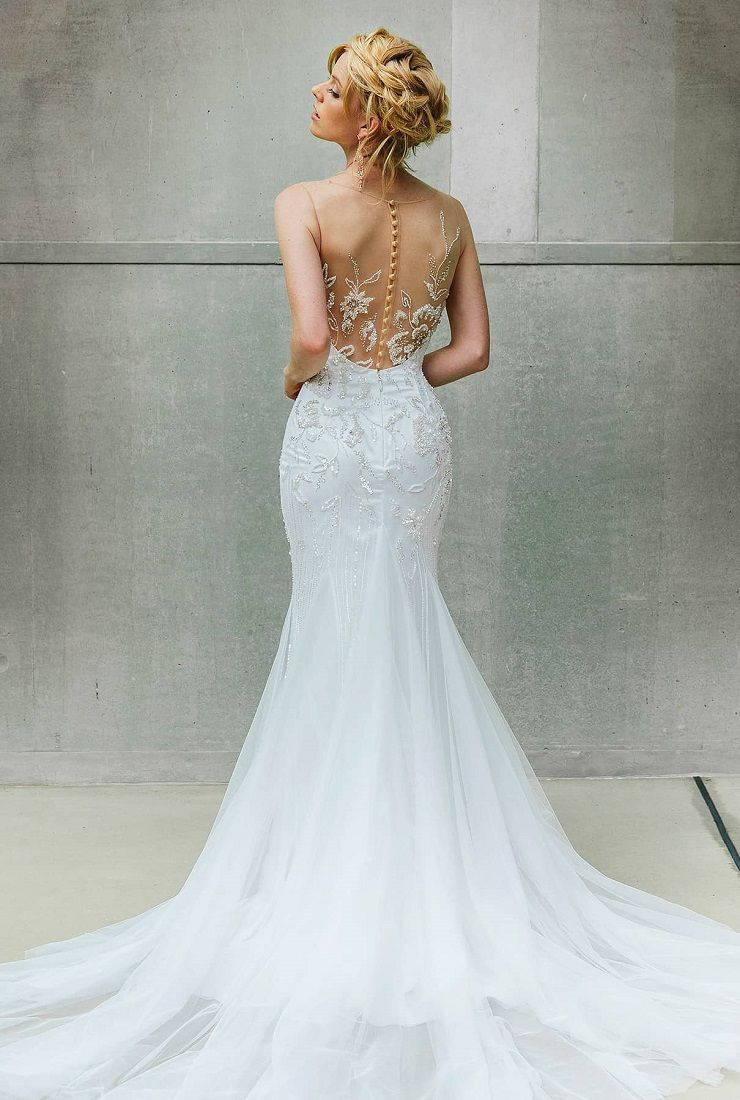 Silky tulle train with illusion back details perfect for romantic garden wedding | fabmood.com #weddingdress #weddinggown #wedding #bridalgown #bridaldress
