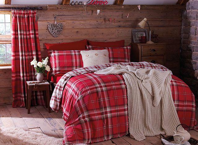 35 Spectacular Bedroom Curtain Ideas The Sleep Judge Bedroom Red Country Bedroom Chalet Bedroom