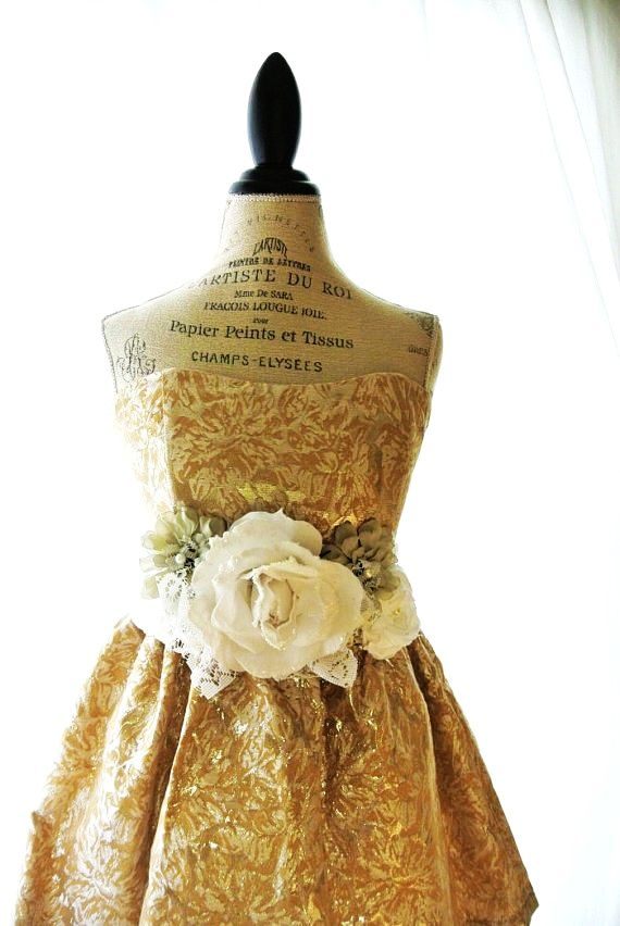 Shabby Vintage Dress 80s Gold Lame Party Dress Retro Cottage Country Chic Style Womens Clothing Country Girls Outfits Vintage Dresses Boho Fashion