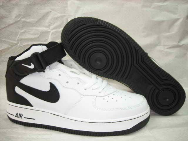 7d653841d7 2004 Nike Air Force 1 Mid White black | Clothes