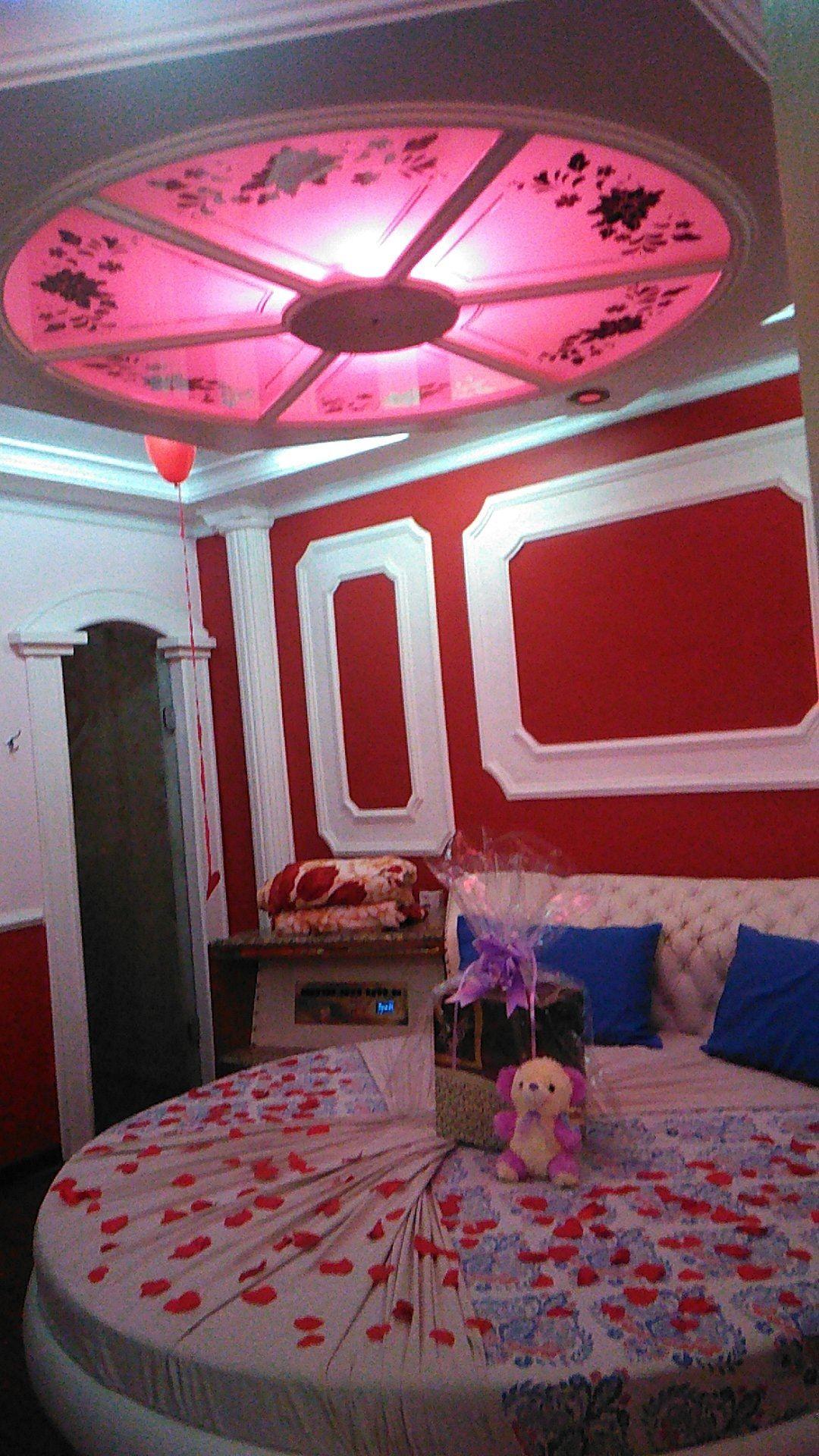 Quarto de motel decorado