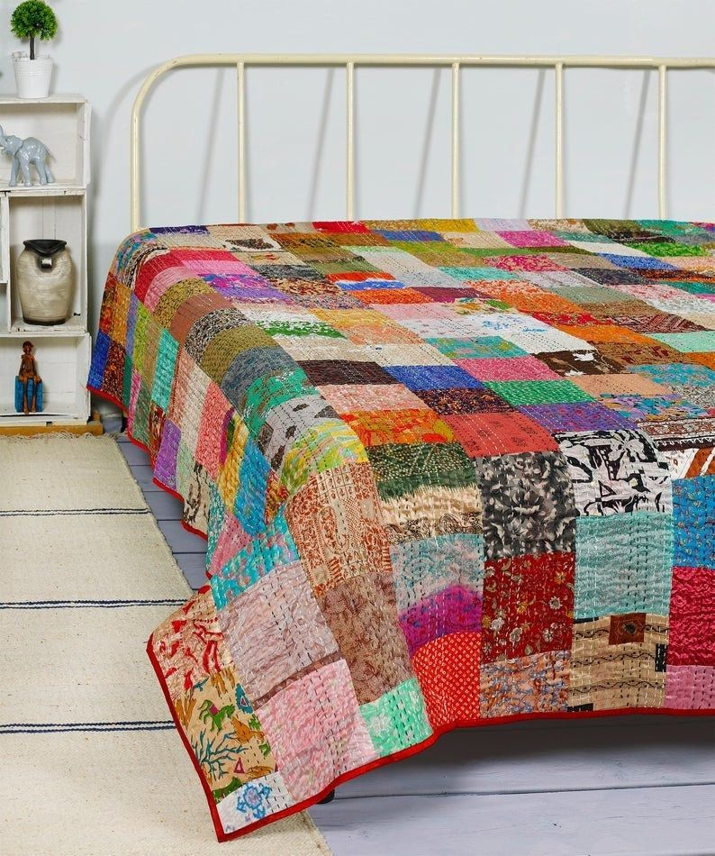 Indian Patchwork Quilt King Size Bohemian Treditional Quilts Handmade Hippie Quilt Vintage Kantha Quilts Blan In 2020 Vintage Kantha Quilts Kantha Quilt Vintage Quilts