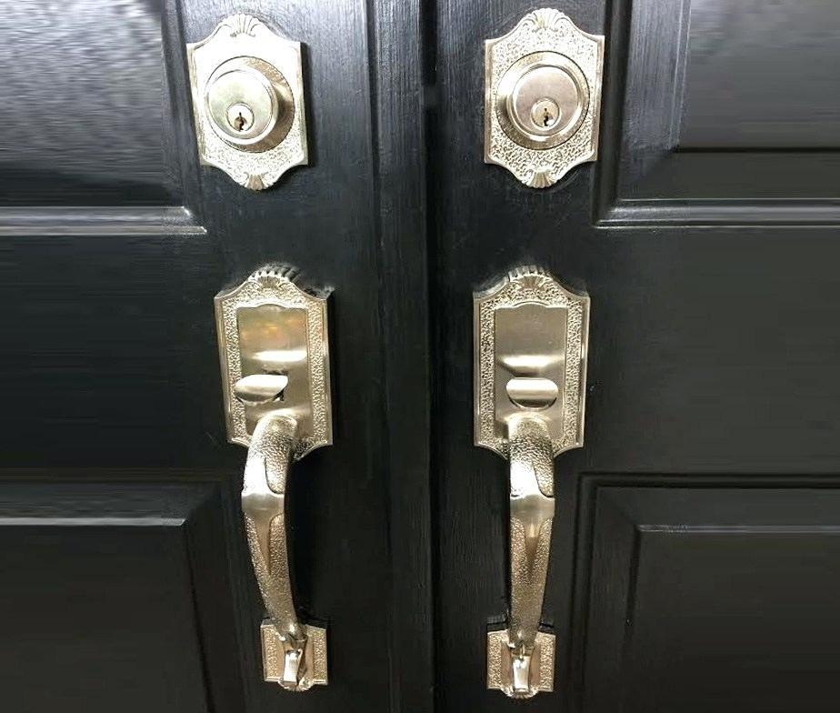 India Pakistan Front Door Lock Designs Main Price In Dubai Upvc Locks Types Main Door Locks Models How To Inst In 2020 Door Handle Sets House Front Door Door Handles