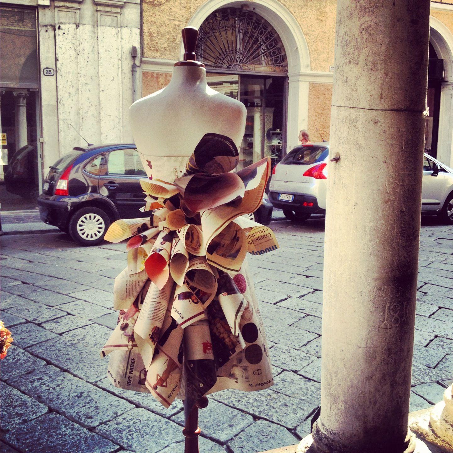 Paper dress @ Mantua