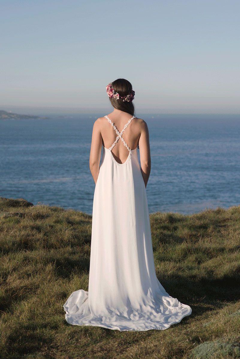 Modelo Elvia: Vestido de novia tipo lencero, realizado con un tejido ...