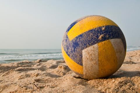 el balon de voley playa