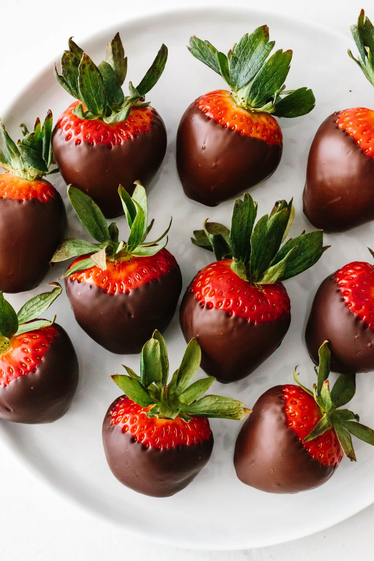 Chocolate covered strawberries are an easy and delicious ...