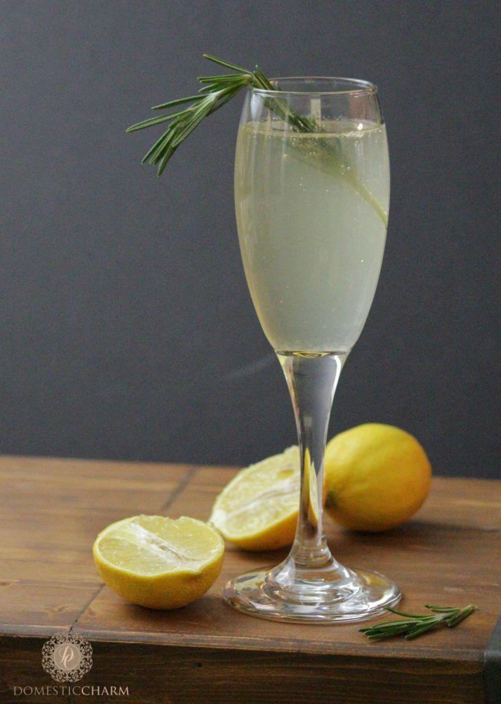 Meyer Lemon Cocktails | http://www.domesticcharm.com/meyer-lemon-cocktails/
