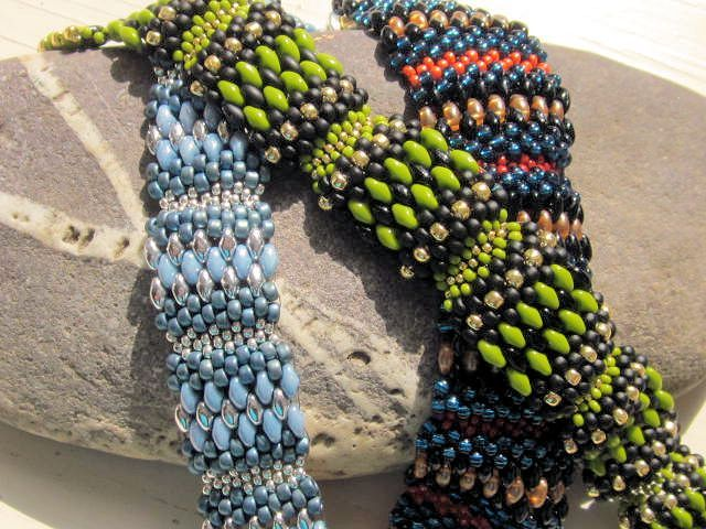 I love the look of beaded, connected cubes but not all the time it takes to make some of them...soooo, my new design is done using super duos to make the cubes...nifty...the pattern will be available at bead patterns by 9/29....and everyone enjoy!