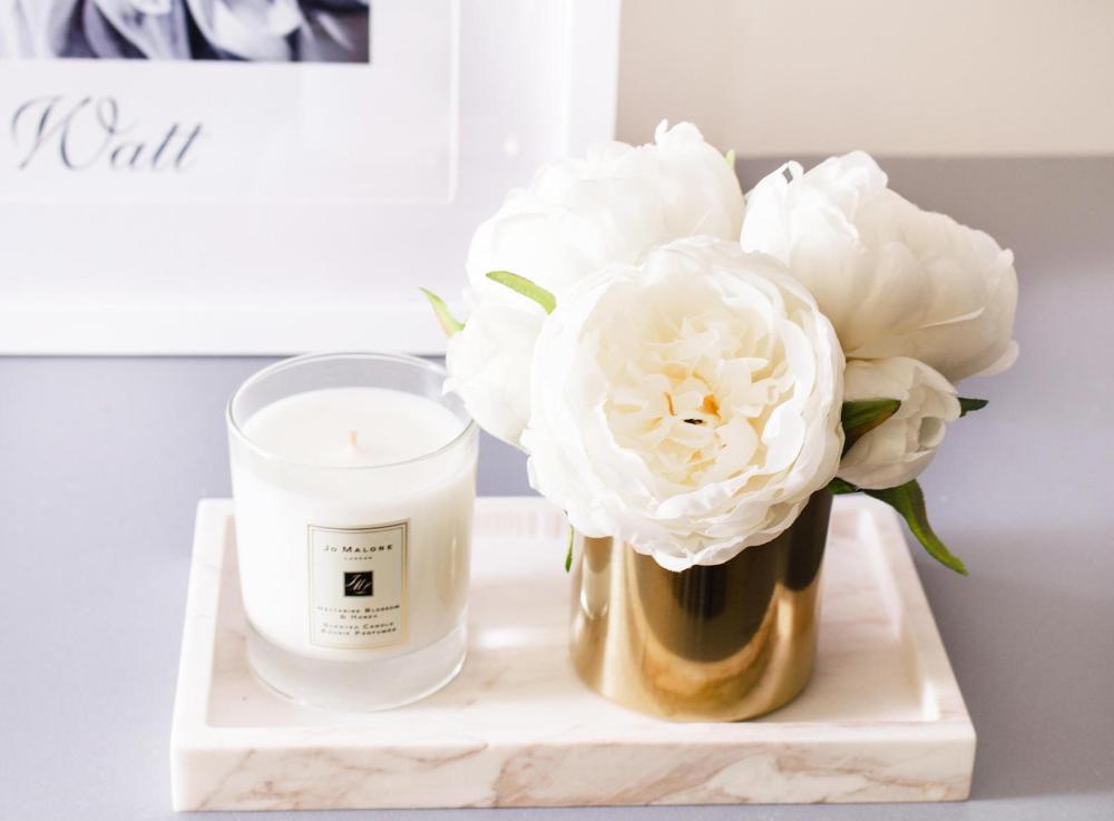 1pc White Peonies Peony In Vase Silk Flower Arrangement Etsy In 2020 Artificial Flower Arrangements Silk Flower Centerpieces Silk Flower Arrangements
