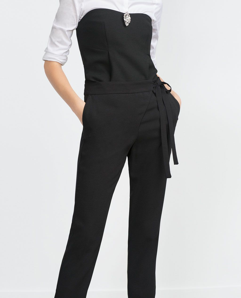 Image 4 of LOOSE FIT TROUSERS from Zara