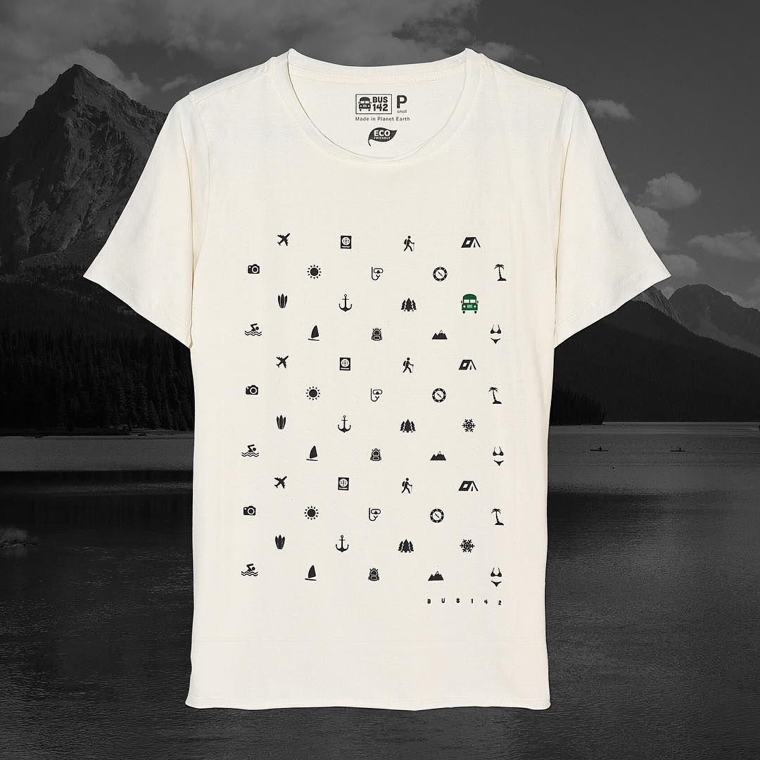 Tee - Travel Icons (masculina) - Tecido 100% algodão eco-friendly 🌿, mangas…