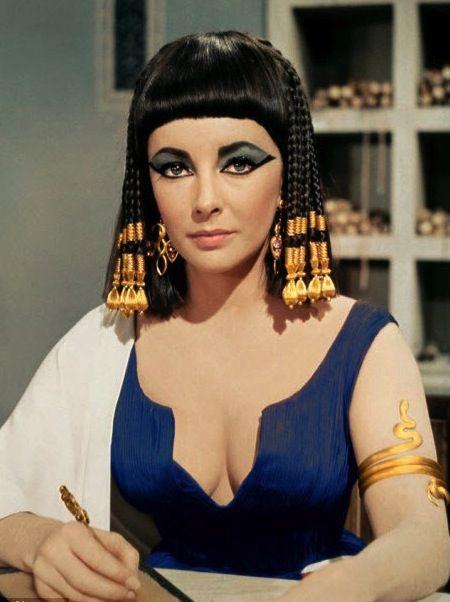 Elizabeth Taylor As Cleopatra Famous Bob Hairstyles Shoulder