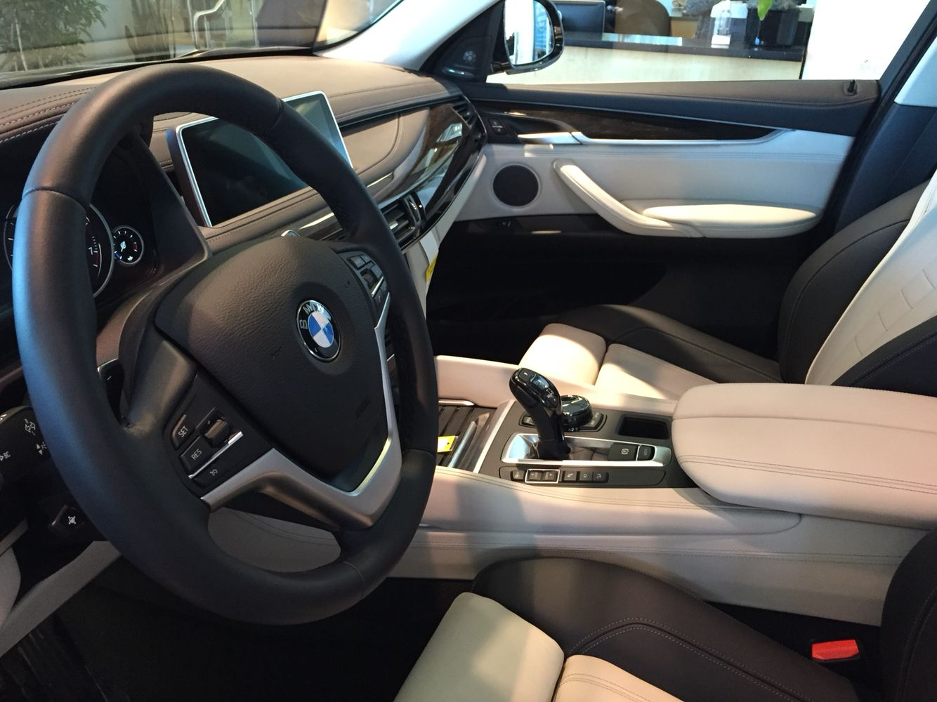 Interieur X6 Bmw Bmw X6 Black And White Interior Cars Bmw X6 Black Bmw X6