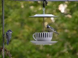 Risultati immagini per mangiatoie per uccellini fai da te