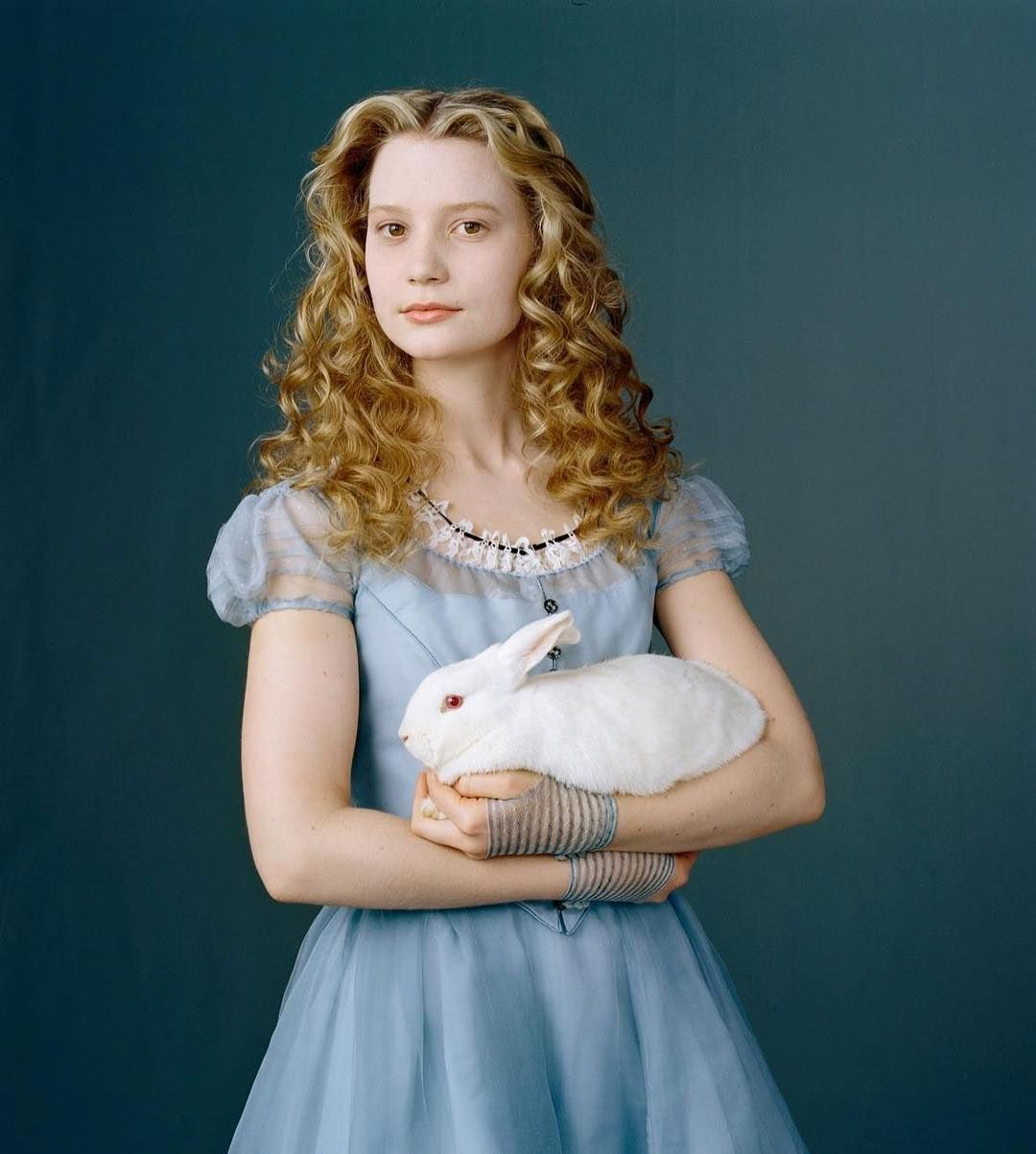 New Posters And Still Alice In Wonderland 2009 10242108 502 720