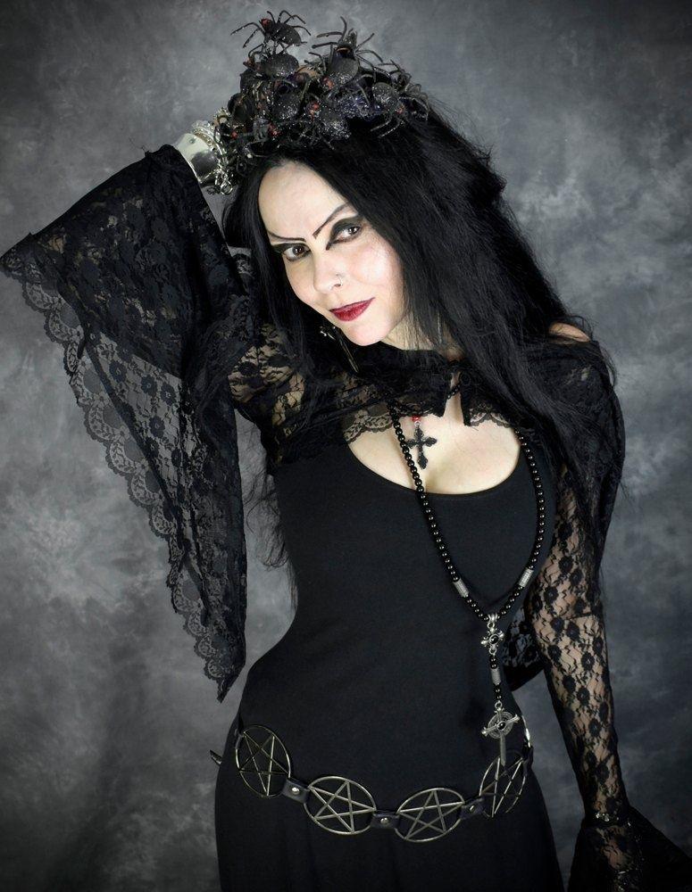 Pin su Dark Gothic Horror Fantasy Clothing Art Folk Musica