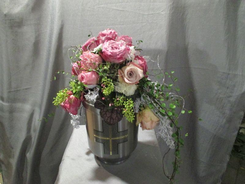 Urnenschmuck Floristik | Vietzen Blumen & Pflanzen – Urnenschmuck ...