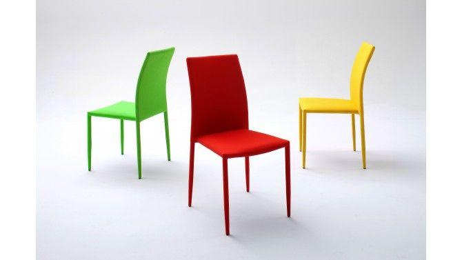 chaise design en tissu de couleur