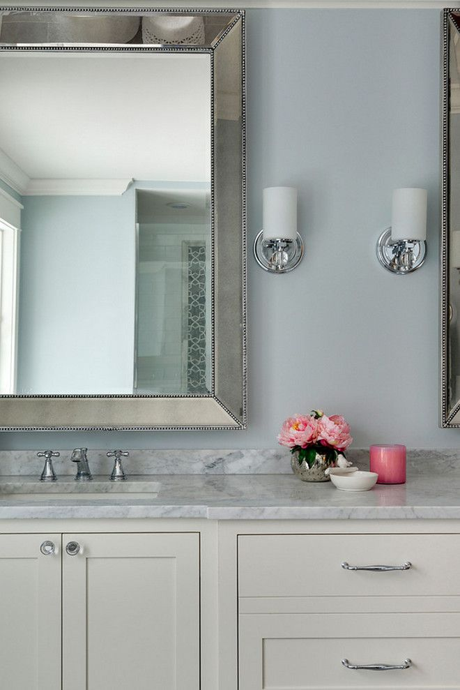 Best Bathroom Cabinet Painted In Benjamin Moore White Dove Oc 400 x 300