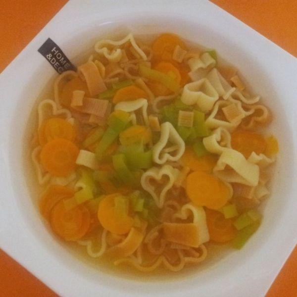 Herzchensuppe mit Gemüse