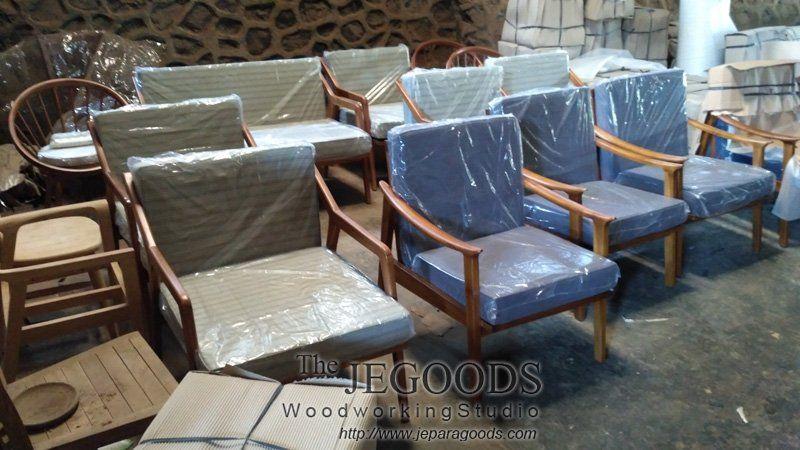 We #produce #midcentury #retro #scandinavia Furniture Made Of #teak  Indonesia,
