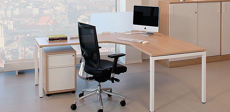 Quadra en L ergo -- Características: Diseño limpio y eficiente que le permitirá crear áreas de trabajo perfectas donde se aprovecha el espacio disponible totalmente. Infórmate más sobre este mueble dándole clic a la imagen.