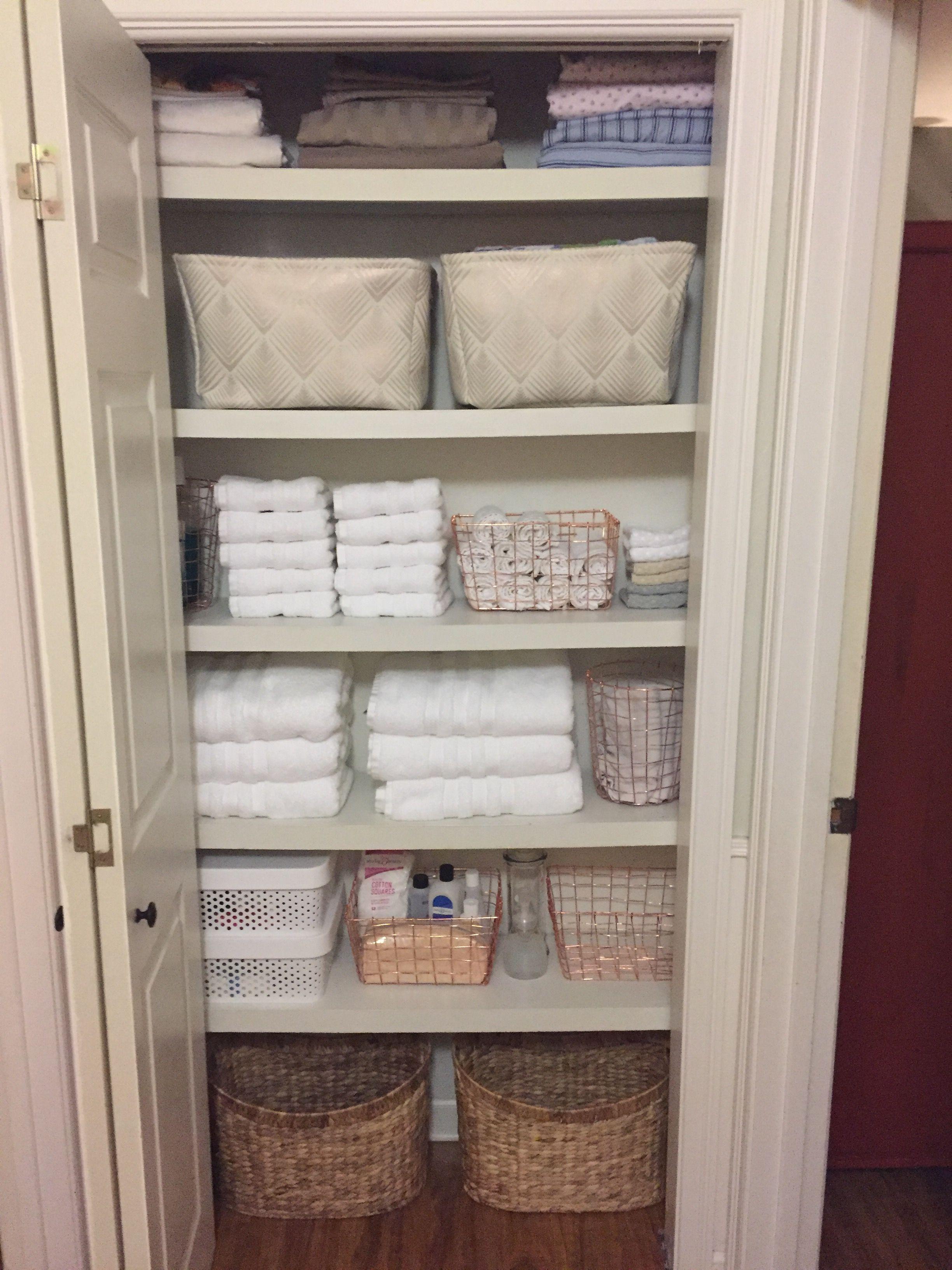 Pin By Kem Mcguire On Organize Me In 2020 Linen Closet Organization Organizing Linens Bathroom Closet Organization