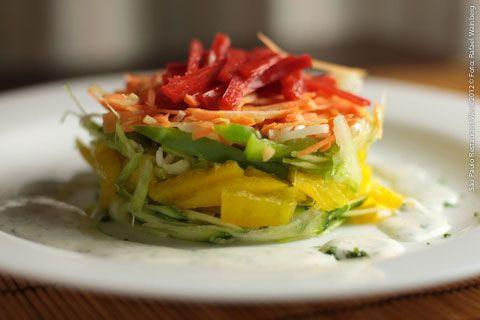 La Piadina Cucina Italiana (jantar)    Pinzimonio di verdure in salsa all yogurt  Mix de verduras com abobrinha, cenoura, pimentão amarelo, pimentão vermelho, alho poro, e salsão com molho ao iogurte e salsinha fresca