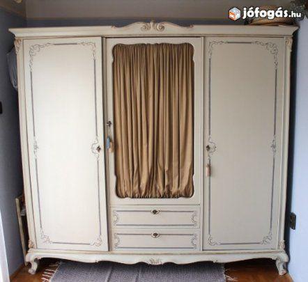 Antik ruhásszekrény antikolt felületkezeléssel, 1. image