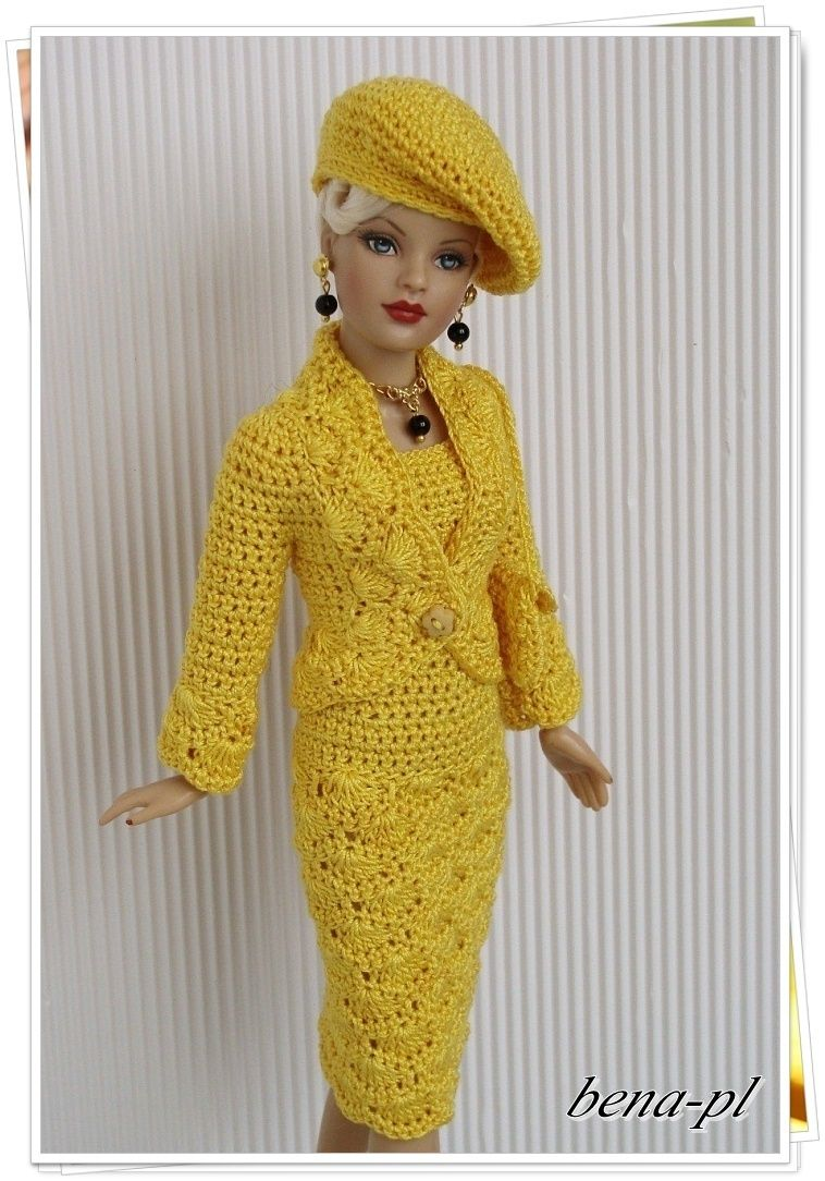 b4e82c769d8f Excellent idea for a crochet pattern for a very stylish Barbie skirt suit  and matching hat !