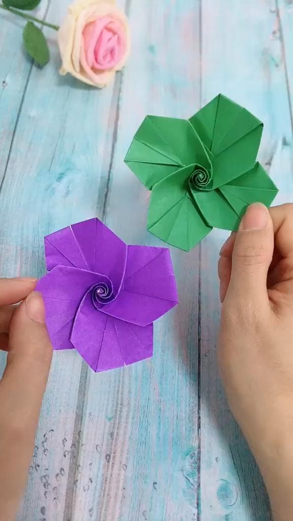 #DIY #Flower #Gyro #Whirling Verwenden Sie Farbpapier, um Flower Spin Gyro zu machen! Es ist ver … – DIY Papier Blog