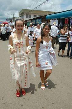 Vestidos inspirados en la Pollera Panama | Panama Culture ...