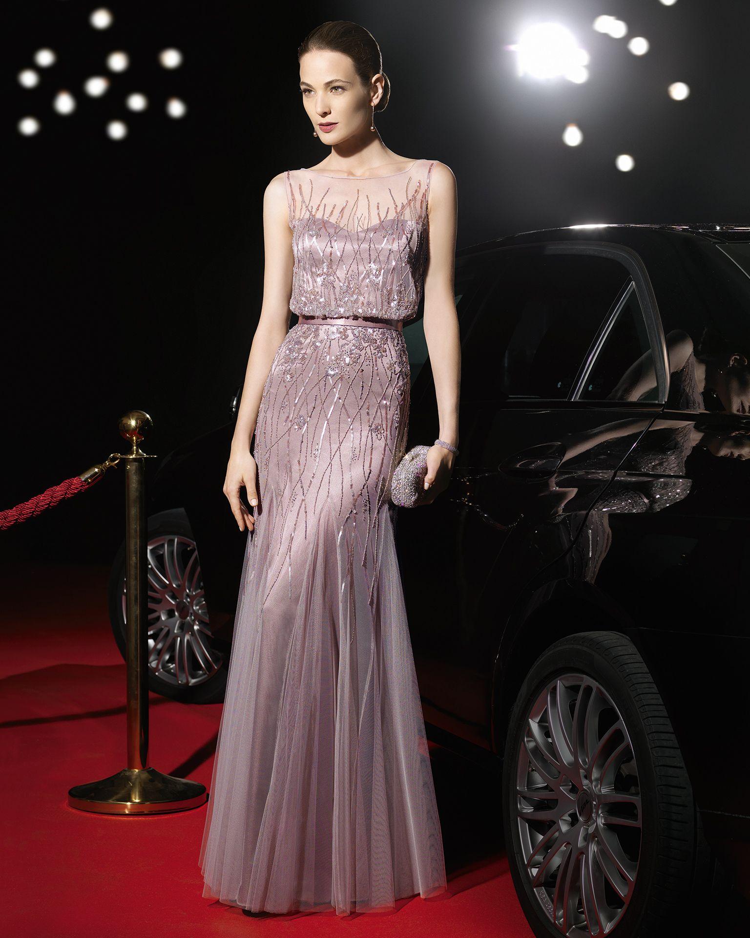 Vestido de noche de rosa clara