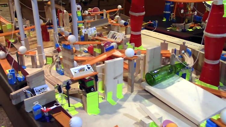 Massive Rube Goldberg Machine That Takes Five Minutes Just To ...