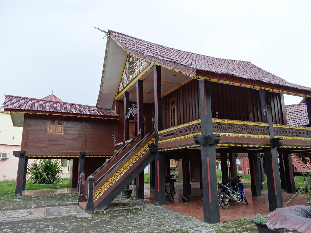Rumah Adat Aceh Adalah