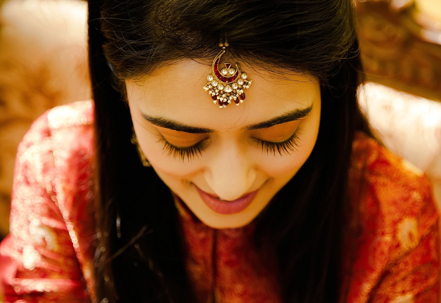 Mehndi Hairstyles With Tikka : Simple elegant tikka for a different look. indian wedding jewelry