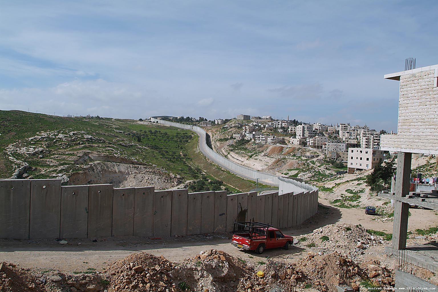 Israeli-Palestinian Wall | Borders | Israel palestine ...