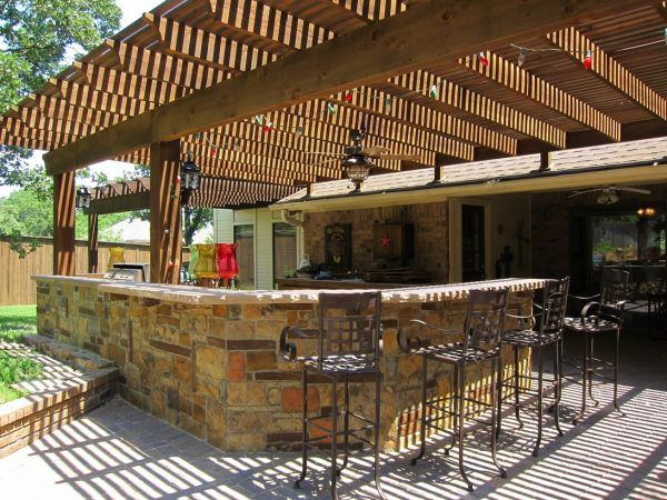 Magnificent Outdoor Kitchen Stone Veneer With Cast Iron Outdoor Bar Stools And Outdoor K Outdoor Kitchen Design Outdoor Kitchen Countertops Diy Outdoor Kitchen