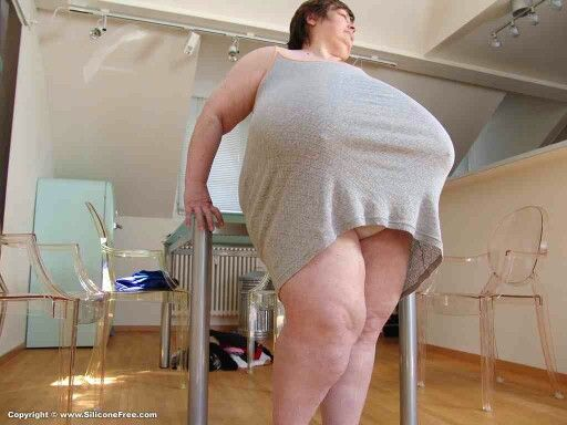 Do women like big boobs-2654