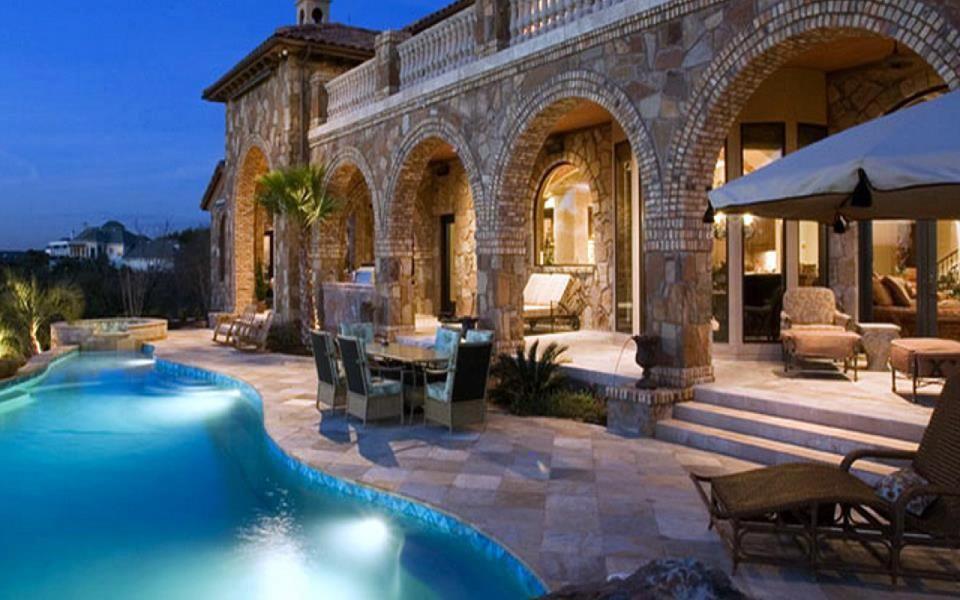 Mediterranean mansion beautiful all it needs is an for Beautiful mediterranean homes