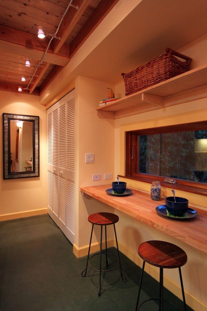 New Avenue : Karenu0027s Cottage: Studio With A Sleeping Loft   Bar