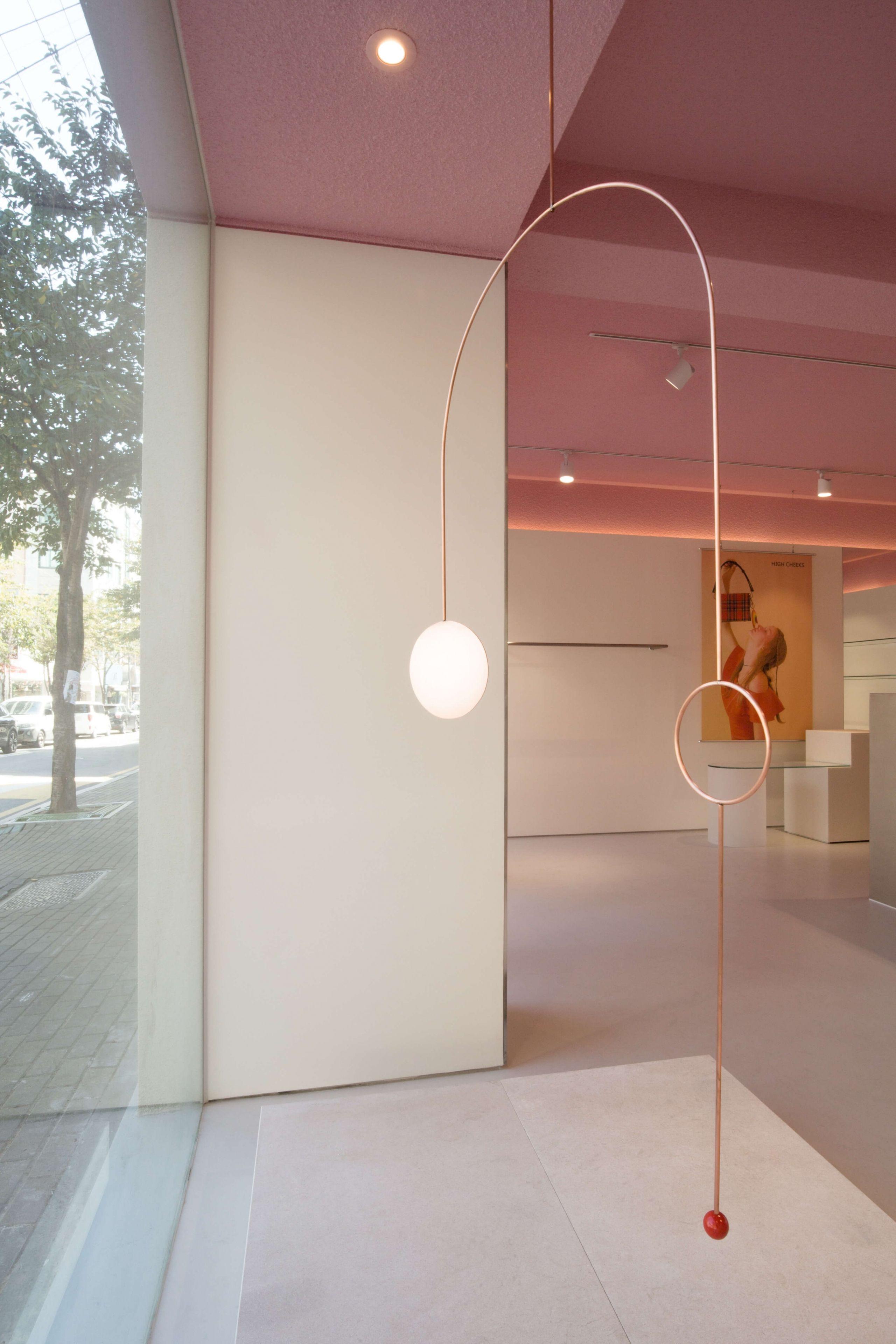 Studio unravel high cheeks lifestyle for Iluminacion minimalista interiores