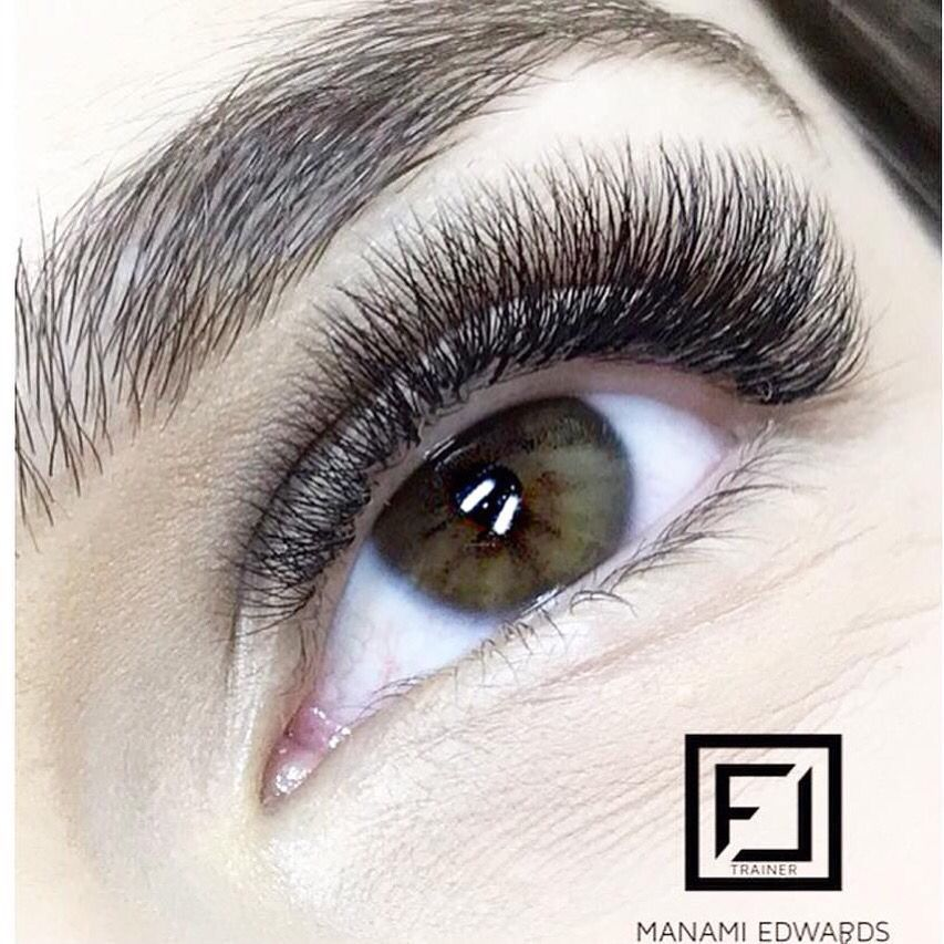 Do you think light volume or classic lashes will get