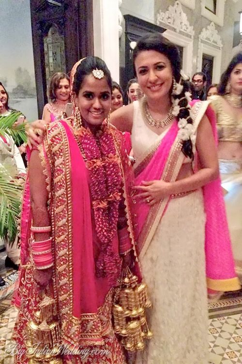 The Bride Arpita Khan And The Graceful Mini Mathur Celebrity Dresses Indian Celebrities Fashion
